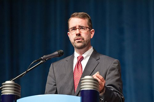 Knox Thames es director de política e investigación para la Comisión de Estados Unidos sobre libertad religiosa internacional.