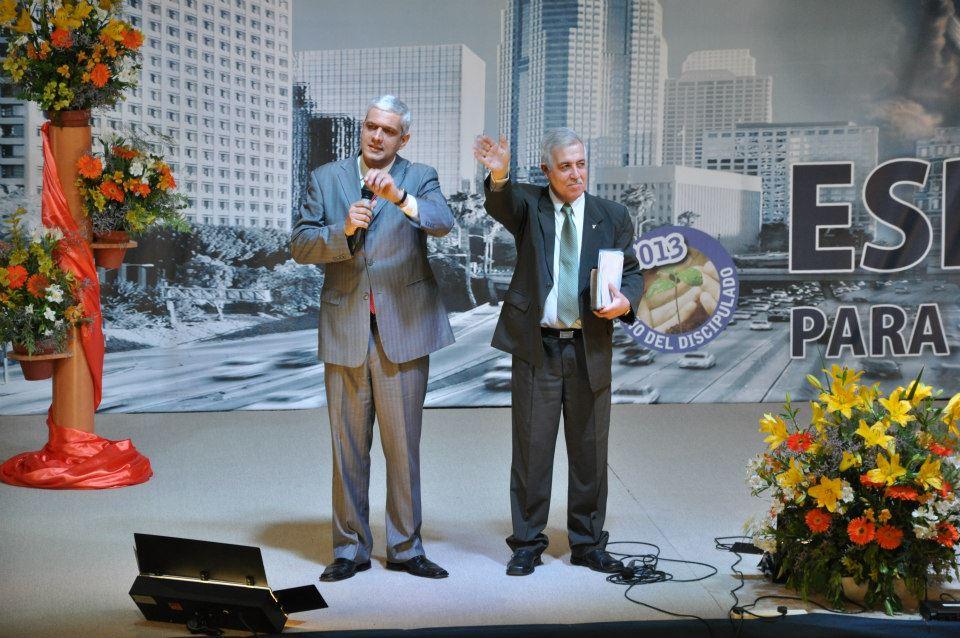 Líderes de la iglesia en Argentina lanzaron plan de Evangelismo para el 2013