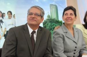 En la foto, el pastor Samuel Sandoval y su esposa Flor de María Sauco. Sandoval asumió el liderazgo de la Misión Ecuatoriana del Sur, este mes de mayo.