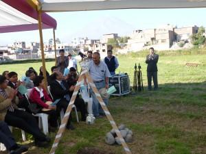 Ceremonia de colocación de la primera piedra, para la futura construcción del templo de Yanahuara.