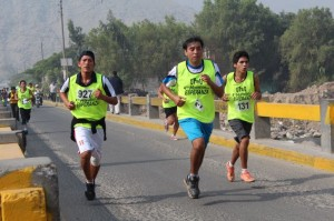 Jóvenes estudiantes de la Universidad Peruana Unión, participaron de Maratón.