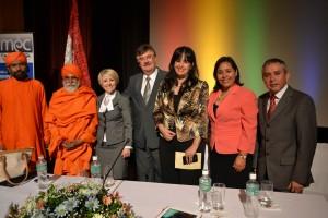 Autoridades gubernamentales y representantes de religiones, en el Congreso de Libertad Religiosa.
