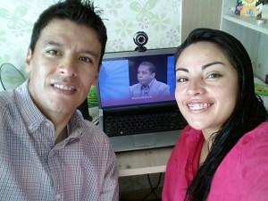Wilson y Lidan, una pareja de Colombianos que asistieron Cuenta Regresiva desde Corea del Norte.