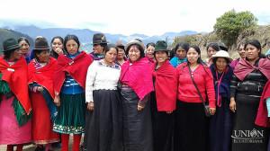 Mujeres quechuas comprometidas con la misión de llevar esperanza.