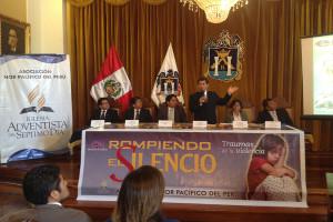 Conferencia de prensa por el proyecto rompiendo el silencio