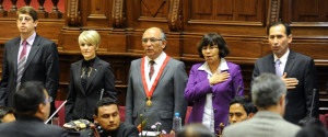 Mesa que participó del III Fórum de Libertad Religiosa, en el Congreso de la República del Perú. (Créditos de fotografía: Facebook del Congreso de la República)