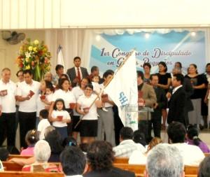 Grupos Pequeños de la Iglesia Adventista del Sur realizan su presentación en el Congreso de Discipulado.