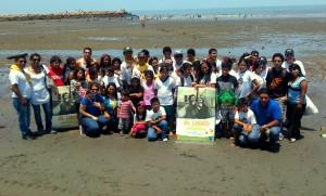 Jóvenes, niños y adultos participaron de la limpieza de El Guabo.