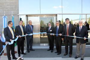 Líderes inauguran nueva fábrica en Campana, Argentina.