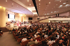 Universidad ya tiene a varios de sus alumnos sirviendo de misioneros en diversas partes del mundo.