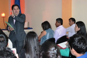 La importacia de mantener una agenda de contenido fue impartida por Henry Avelino reportero de GamaTV, Ecuador.