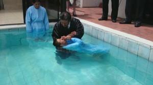 Pedro y su esposa Rosa entregaron sus vidas a Jesús durante este programa especial