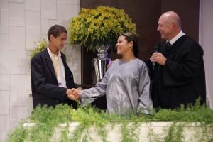 Laise Souza conoció Matheus en un internado adventista. Después de tener sus dudas esclarecidas, dicidió ser bautizada.