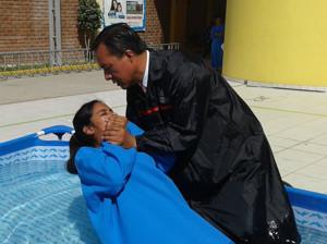 Hija de padres evangélicos se entrega a Jesús en el Colegio Adventista1