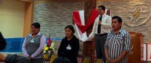 En Semana Santa, tres trabajadores de la clínica adventista entregan su vida a Cristo.