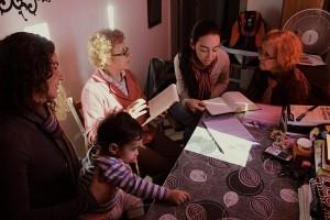 Jóvenes sudamericanos alcanzan a decenas con estudios y amistad en Uruguay.
