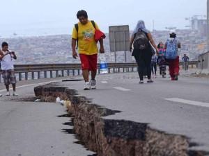 Según medio de comunicación extranjero el sismo, considerado por los expertos una réplica más del terremoto de 8,2 grados que sacudió la zona el pasado 1 de abril, fue seguido en pocos minutos por otros dos. (Créditos: Foto: AFP)