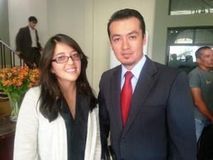 Camila Izurieta (izquierda) es una de las estudiantes adventistas beneficiadas por este procesa¿o