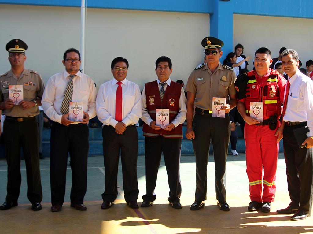 Colegios Adventistas impactan a autoridades con el libro La Única Esperanza en Tarapoto