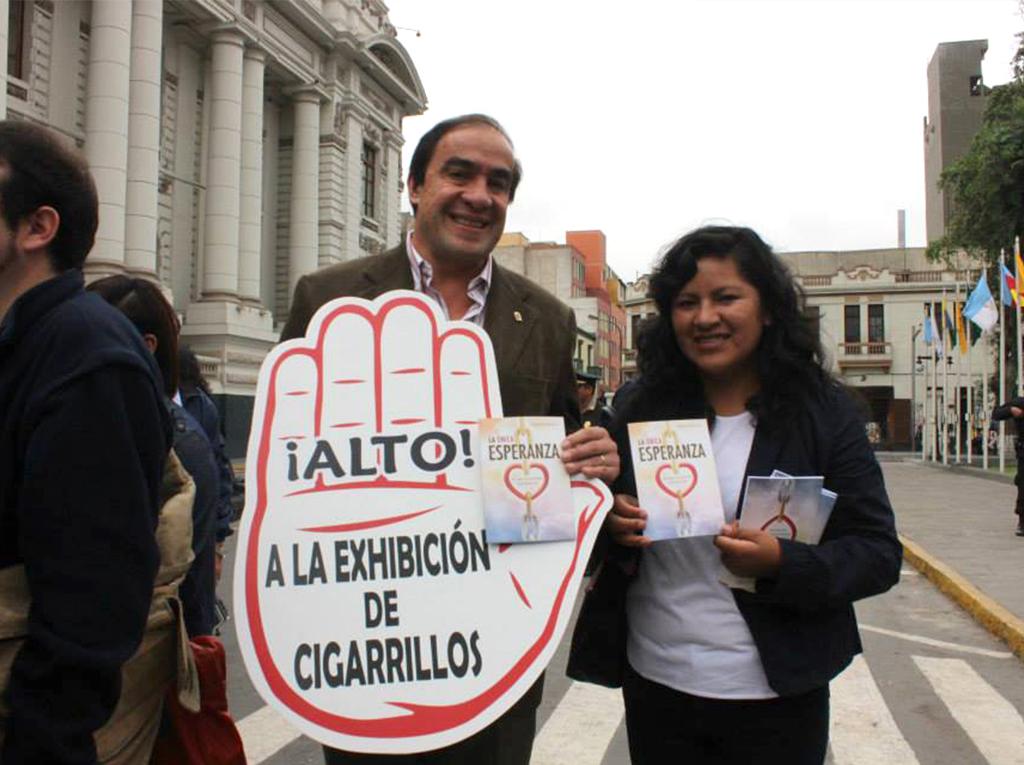 Universidad adventista en Perú participa en la marcha por el Dia mundial sin Tabaco