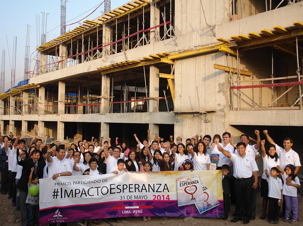 Alcalde en Perú respaldó campaña de lectura y felicitó iniciativa de la iglesia adventista2