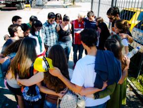 En Curitiba, un grupo de jóvenes adventistas se unieron al grupo de oración.