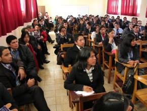 Maestros son Capacitados en Talleres y Seminarios Temáticos
