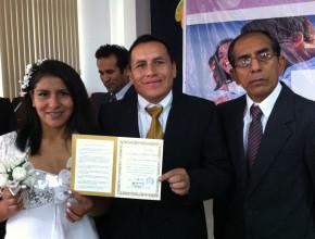 31 parejas dieron el sí en matrimonio masivo realizado por la Iglesia Adventista en Perú