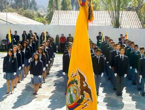 abanderados-promesa-a-la-bandera-instituciones-en-ecuador