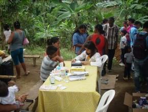 ADRA junto a la Clinica Adventista de Quito, realizaron brigadas medicas