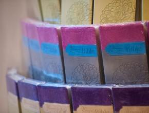 Es la primera Biblia de estudio para mujeres de la Iglesia Adventista del Séptimo Día.