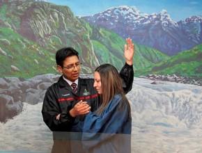 Elizabeth, fue bautiza en la Iglesia adventista.