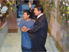 Gratitud especial. Padre del bebé entregó su vida a Cristo por el milagro realizado.