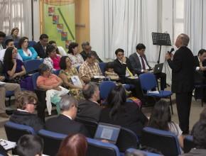 Pr. Pinheiro hablando de la importancia de la comunión diaria con Dios. © Alfredo Müller