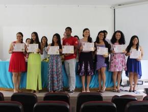 Los alumnos recibieron certificados avalados por la Universidad Central del Ecuador y el Ministerio de Salud Pública.
