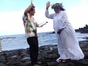 Erity Teave, presidente de Honoui y del consejo de jefes de Rapa Nui, en la Isla de Pascua, el día de su bautismo.