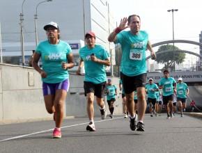 Autoridades de la Iglesia adventista en el Perú también protagonizaron evento deportivo.