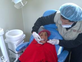 Atención odontológica en la Unidad Móvil.