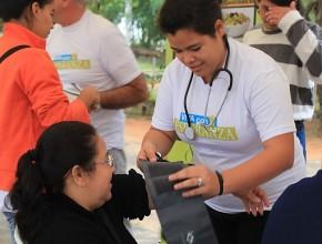 Ferias de salud llevaron esperanza a pobladores de Asunción y promovieron los ocho remedios naturales.