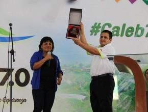 Congresista del Perú entrega reconocimiento a la Iglesia Adventista por el proyecto Caleb 7.0.