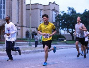 El camino de cinco kilómetros fue recorrido por más de 2.500 participantes.