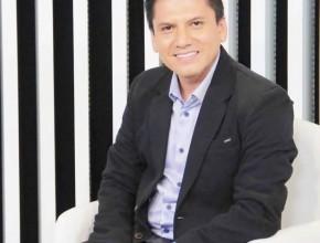 El pastor Flores a los 12 años ya realizaba semanas de evangelismo en Perú.