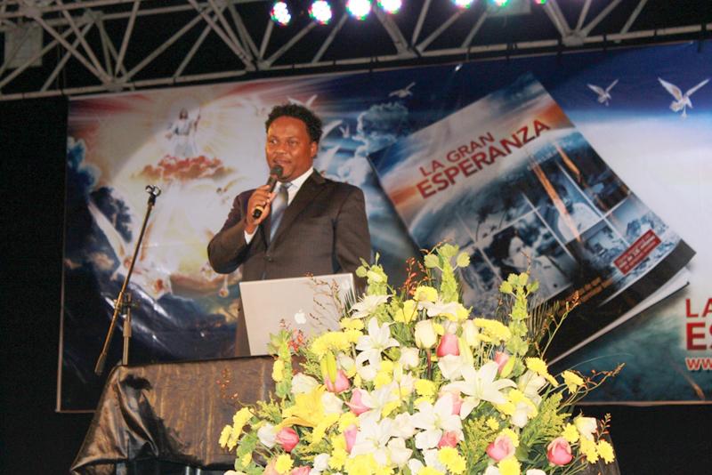 Concierto cristiano congrega a miles de adventistas alrededor del Ecuador.