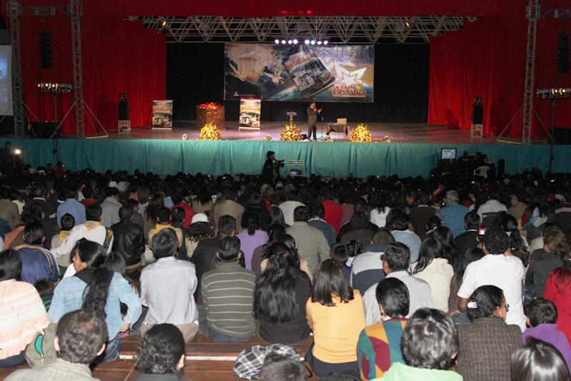 Concierto cristiano congrega a miles de adventistas alrededor del Ecuador