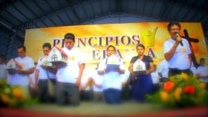 Oración de bendición por los libros entregados en Santo Domingo.