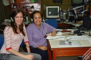 """Conductoras del programa """"Preparados para Educar"""", en Radio Nuevo Tiempo, Paraguay."""