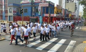 Miles de personas corrieron a favor de la salud en Lima, Perú.