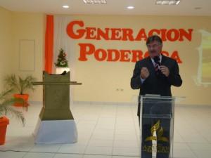Pastor Ignacio Kalbermatter, presidente de la iglesia adventista en Paraguay, en la semana de oración de la UNAPY