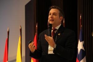 Dr. Paulo Meira, senador federal y secretario especial de Comunicación Social.