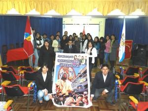 Jóvenes de distintas universidades se reunieron en el salón de grados y títulos de la facultad de comunicaciones de la Universidad Nacional del Cusco (UNSAAC).